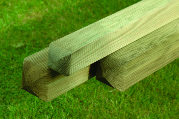 Planed and Ribbed Pine Posts P100 P75
