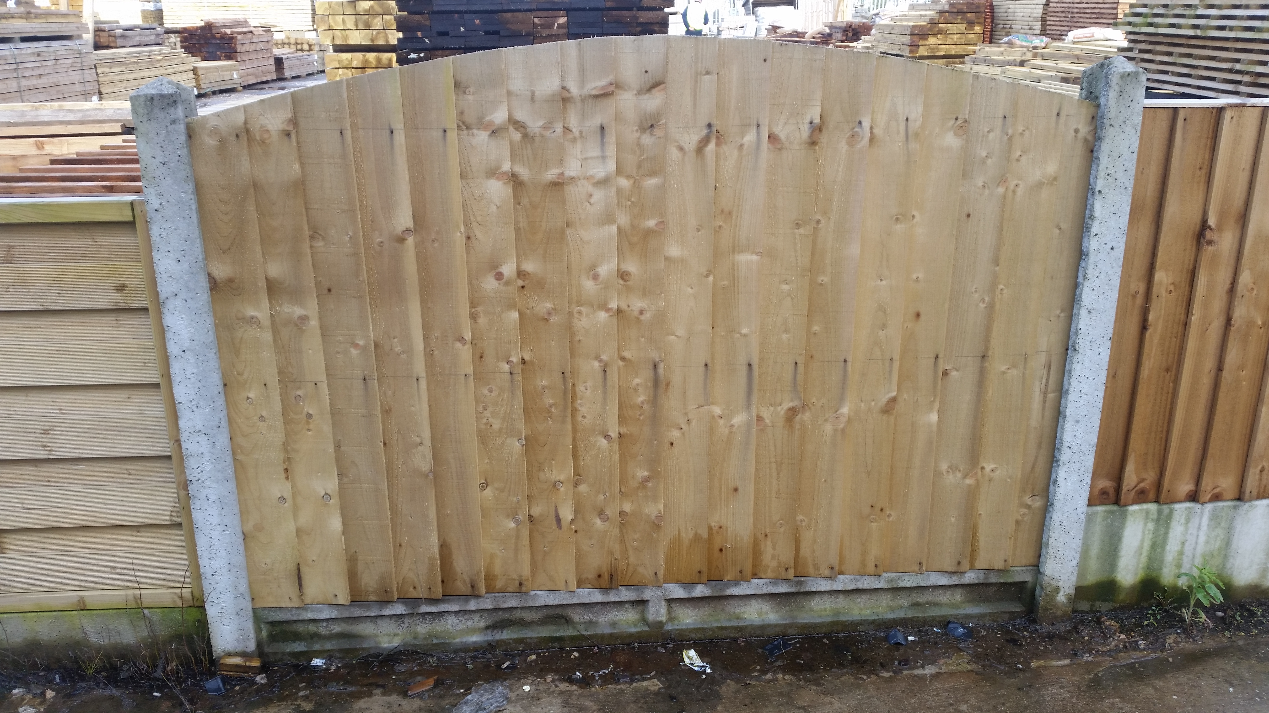 Dome Top Featheredge Panels Green Oakdale Fencing